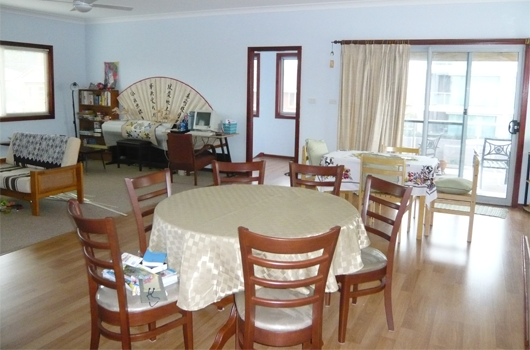 ARET Australian Recreation & Educational Tours Wollongong - Accommodation Bedroom Dining Room