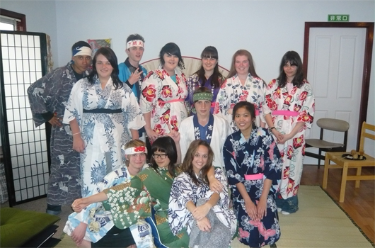 ARET australian recreation and educational tours wollongong japanese immersion - dressed in yukata